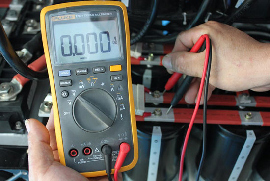 Measure voltage of the capacitor